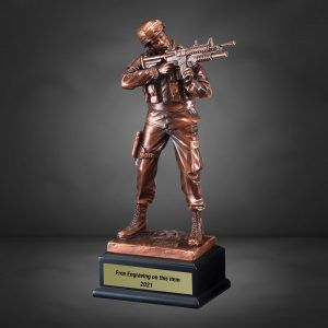 Casting Bronze Soldier Standing With Rifle Drawn Resin Trophy